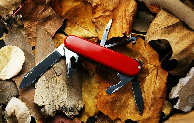 un couteau suisse en randonnée