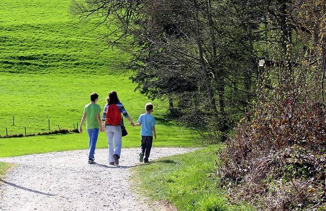une randonnée en famille