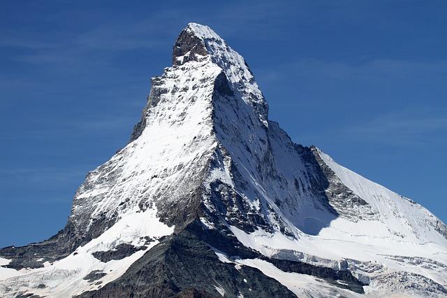 mont cervin en suisse